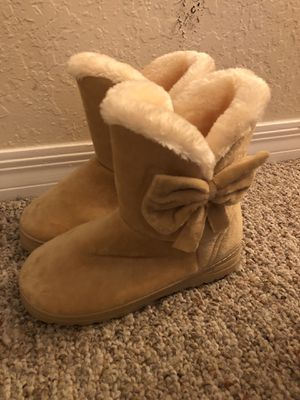 Winter Boots with Furr, size 6 WOMEN, NEW for Sale in Maitland, FL