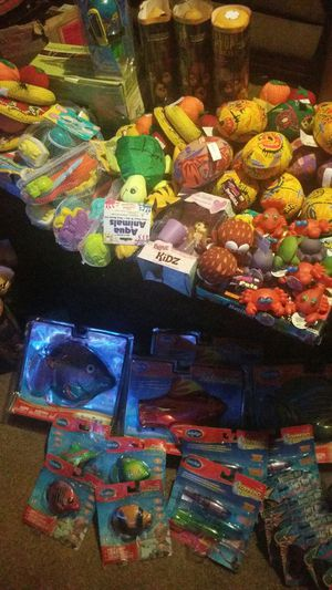 Toys pallet more than 200 pieces for Sale in Modesto, CA