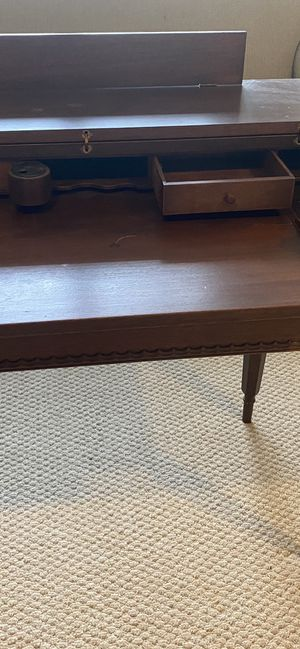 Antique Mahogany Spinet Desk for Sale in Moseley, VA