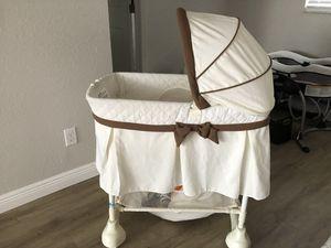 Free baby bassinet for Sale in Seminole, FL
