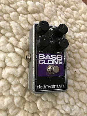 electro-harmonix BASS CLONE effects pedal for Sale in North Charleston, SC