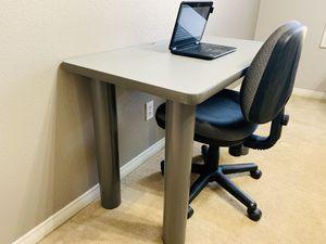 Kids Computer Desk for Sale in West Covina, CA