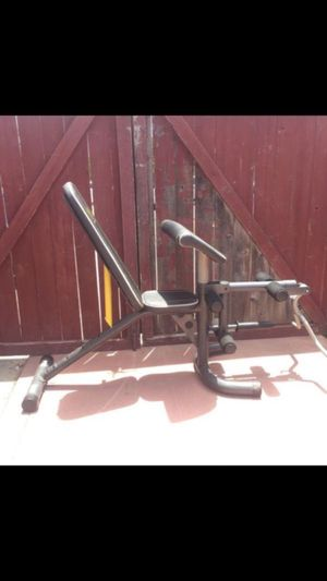 FULLY ADJUSTABLE WEIGHT BENCH W/ ATTACHMENTS for Sale in San Diego, CA