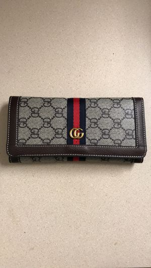 Limited Edition - GUCCI Wallet - from Shanghai, China (imitation) for Sale in Kirkland, WA