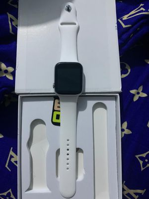 Apple iwatch series 5 for Sale in Ashley, OH