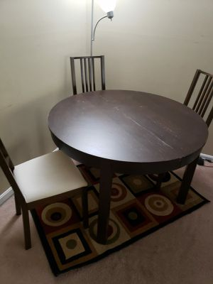 Extendable Dining table with 3 chairs for Sale in Fairfax, VA