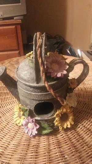 Flower Pot for Sale in Fairdale, WV