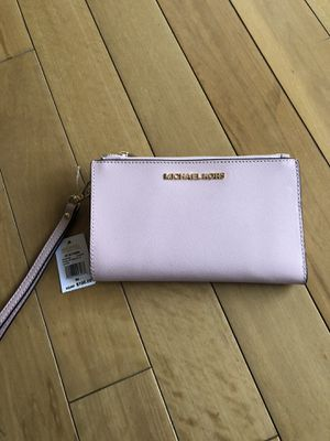 Michael kors wallet for Sale in Lafayette, CO