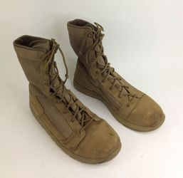 "GREAT CONDITION Danner Men's Tachyon 8"" Coyote Tan Military Boots US Size 13 for Sale in Las Vegas,  NV"