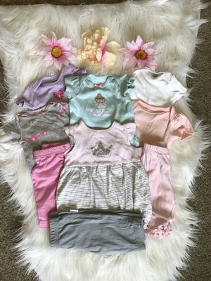 New born tops and bottoms for Sale in Havelock, NC