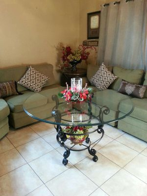 *****GLASS ROUND TABLE***** for Sale in Bakersfield, CA