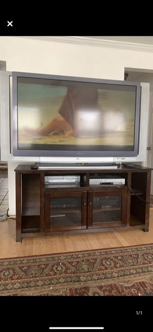 75' tv with entertainment center for Sale in Woodbridge, VA