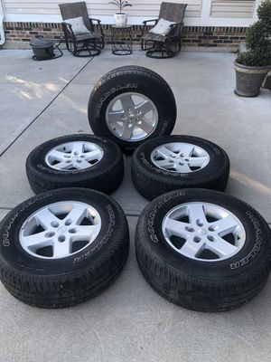 Jeep wheels for Sale in St. Peters, MO