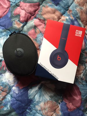 Beats Solo3 Wireless Headphones- Club Collection for Sale in Brockton, MA