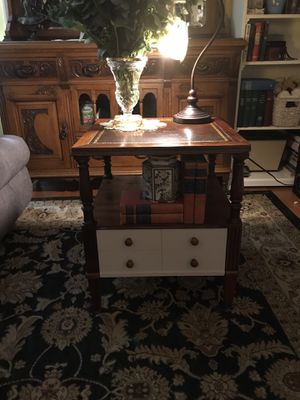 Cute vintage end table for Sale in Vancouver, WA