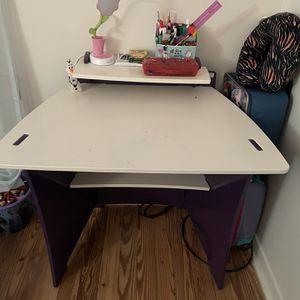 Children's Desk! for Sale in Euclid, OH