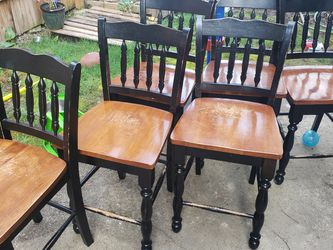 FREE TABLE + Chairs for Sale in Beaverton,  OR