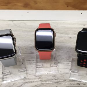 Unlocked Apple Watch Series 1 for Sale in Chicago, IL