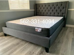 Queen Gray tufted bed w. Orthopedic mattress included for Sale in Fresno, CA