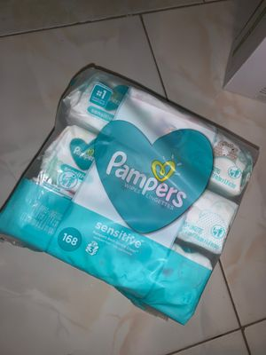 Pamper wipes for Sale in Pinellas Park, FL