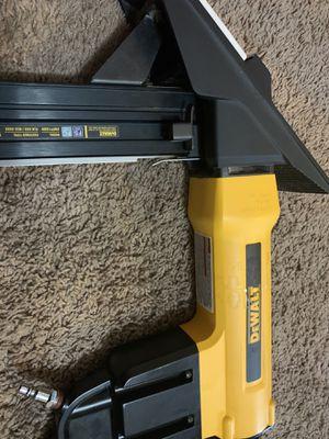 DEWALT 2-in-1 Pneumatic 15.5-Gauge and 16-Gauge Flooring Tool for Sale in Dallas, TX