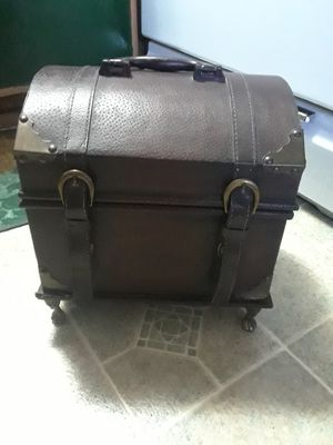 Antique Chest Box ( 10 wx 12 L x 11 height ) 50. for Sale in Princeton, TX