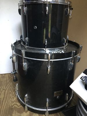 4 Tom drum set for Sale in Saint Charles, MD