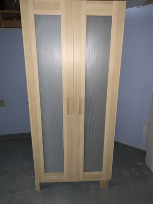 Free cabinet for Sale in Chicago, IL