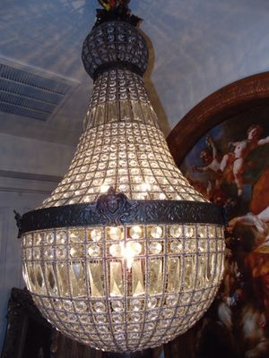 Large exotic crystal chandelier for Sale in Las Vegas, NV