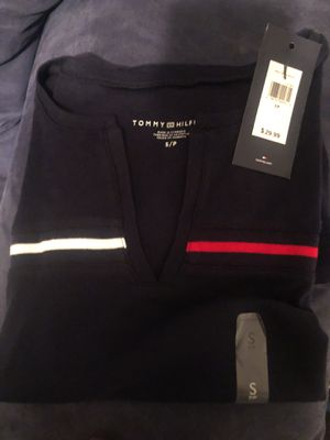 Tommy Hilfiger shirt small women for Sale in Rosaryville, MD