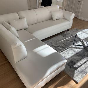 White Leather Couch for Sale in Newport Beach, CA