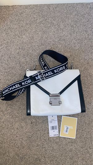Michael Kors Bag 💼 Black and White for Sale in Bellevue, WA