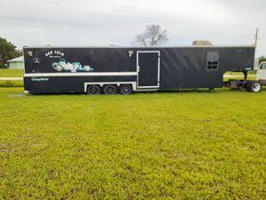 40' Enclsd Trailer/Onan generator for Sale in Okeechobee, FL