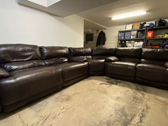 Macy's Top Grain Leather Sectional With 4 Power Recliners for Sale in Spotswood,  NJ