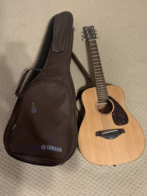 Yamaha guitar with case and extras for Sale in Tuscaloosa, AL