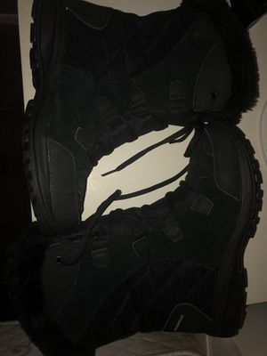 Columbia snow boots for Sale in Grand Prairie, TX