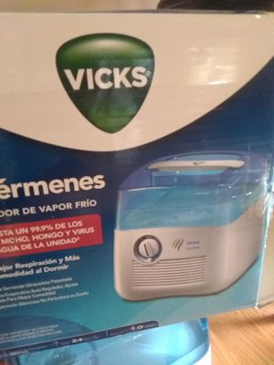 Vicks Filter Free Cool Mist Humidifier for Sale in Windsor Hills, CA