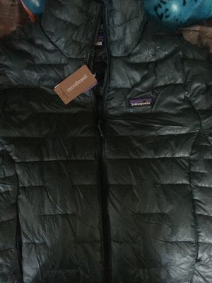 Patagonia puff jacket men's small size for Sale in San Jose, CA