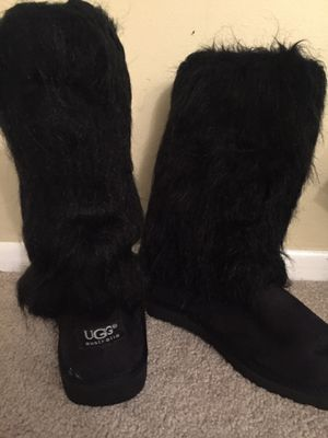 Ugg boots for Sale in Hilliard, OH