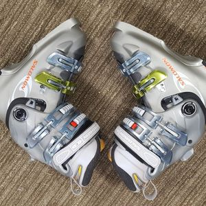 Size 23.5 Ski Boots for Sale in Snoqualmie Pass, WA