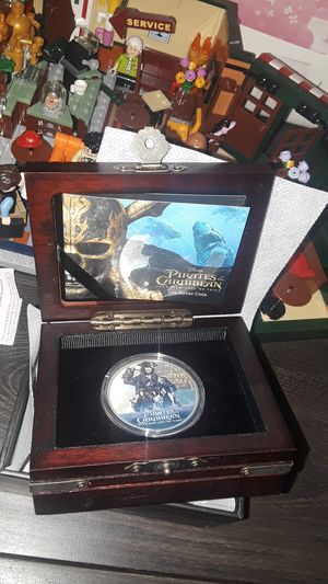 2017 NIUE 1 OZ SILVER $2 DISNEY PIRATES OF THE CARIBBEAN for Sale in Stickney, IL