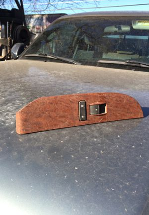 Tahoe Yukon passenger front window control controller for Sale in Livingston, CA
