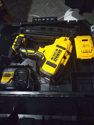 DEWALT 16GA ANGLED NAIL,TOOL-FREE JAM RELEASE, BRUSHLESS MOTOR,NEW NEVER BEEN USED for Sale in Ontario, CA
