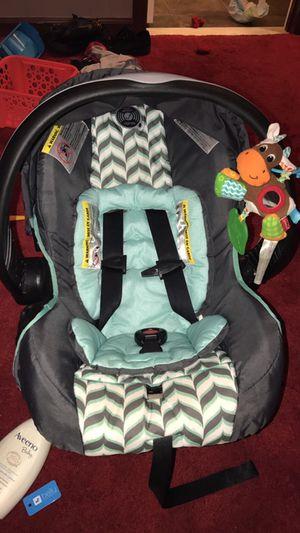 Newborn car seat for Sale in Odenton, MD