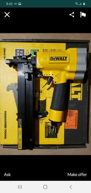 """DEWALT 16GA WIDE CROWN STAPLER 1"""" WIDE NEW NUEVO FOR STUCCO AND LATHE NEW NUEVO 😫✋✋💯✋😍😍 for Sale in Torrance, CA"""