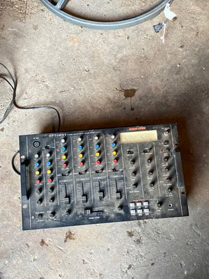 Optimus ssm-1750 4 channel mixer for Sale in Braintree, MA