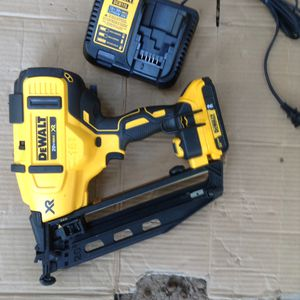 Brand new finish nailer 16g set for Sale in Greenville, SC