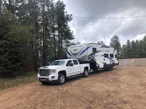 2017 Stellar fifth wheel toy hauler 28DBG. 34' for Sale in Tempe, AZ