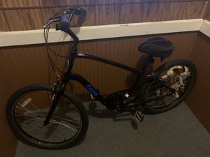 Men's or women's Sivica Scwinn cruiser bike for Sale in Manchester, NH