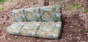 Camper 1995 Fleetwood mallard r30 fold out sofa for Sale in Fortson, GA